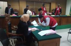 M Ali Napiah dan Kartubi Menerima Divonis 12 Tahun Penjara - JPNN.com