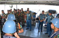 Taruna AAL Korps Pelaut Latihan Praktik di Kapal Angkatan Laut - JPNN.com
