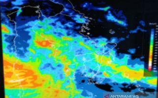 BMKG Imbau Masyarakat Mewaspadai Hujan Lebat Disertai Angin Kencang