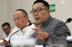 Kang Emil Sambut Gembira 9 Warga Jabar Usai Menjalani Observasi Virus Corona di Natuna - JPNN.com