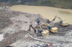 Penambang Pasir Hilang Tertimbun Longsor, Semoga Ditemukan Selamat - JPNN.com