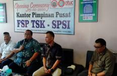 Andi Gani: Omnibus Law Menyulitkan Nasib Buruh - JPNN.com