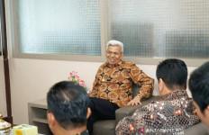 Susi Menangis, Minta Ada Perpres Guru Honorer menjadi PNS - JPNN.com
