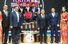 Lifter Muda Indonesia Tampil Menjanjikan di Kejuaraan Junior Asia - JPNN.com