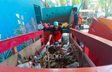 Anak Buah Anies Baswedan Ungkap Fakta Mengejutkan soal Jumlah Sampah Selama Masa Darurat Corona - JPNN.com