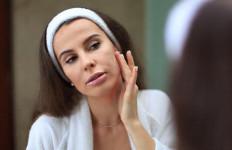 5 Kiat Menggunakan Tisu Pembersih Wajah dengan Benar - JPNN.com
