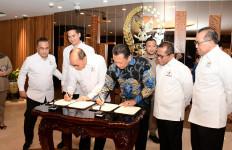 MPR RI dan Kadin Indonesia Teken MoU Sosialisasi Empat Pilar - JPNN.com