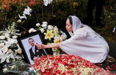 Ibunda Minta Doa untuk Ashraf Sinclair - JPNN.com