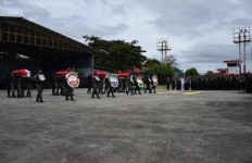 Panglima TNI Hadiri Upacara Militer Pelepasan Jenazah Korban Kecelakaan Helikopter Mi-17 - JPNN.com