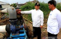 Pak Wali Kota Cek Turap Kali-Pompa Air untuk Antisipasi Banjir - JPNN.com