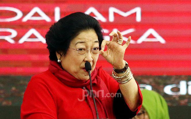 Cerita Bu Megawati yang Tetap Produktif Meski Mengarantina Diri di Rumah