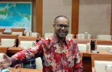Claus Wamafma Bukti Banyak Orang Sangat Cerdas dari Papua - JPNN.com