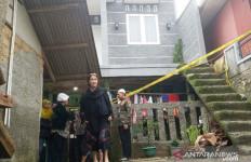 Dinding Rumah Dua Lantai Ambruk Diterjang Longsor, Satu Keluarga Tewas - JPNN.com