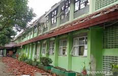 Atap Sekolah Ambruk, Wali Kota Jakarta Timur Sebut SMKN 24 Baru Selesai Direhabilitasi - JPNN.com
