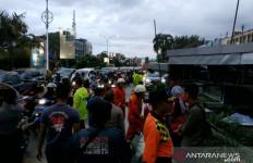 Belasan Unit Rumah di Pontianak Rusak Akibat Tersapu Angin Puting Beliung - JPNN.com