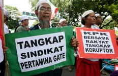 Tak Dibolehkan Masuk Istana, Massa Aksi 212 Kecewa - JPNN.com