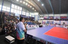 Tampil Sporty, Ibas Buka Laga Perdana Invitasi Bola Voli Pacitan SBY Cup 2020 - JPNN.com