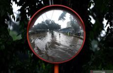 Perhatian! 2 Rute Transjakarta Belum Beroperasi Lantaran Banjir - JPNN.com