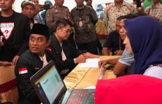 Pilkada Surabaya: Penyerahan Dokumen Dukungan Balon Perseorangan Berakhir Dramatis - JPNN.com