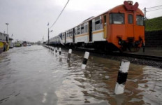 Informasi Sangat Penting Terkait Banjir dan Perjalanan KRL - JPNN.com