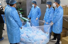 Supercepat, Pabrik di Tiongkok Ini Produksi 1.000 Masker per Menit - JPNN.com