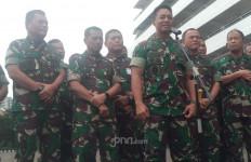 Jenderal Andika Lepas Langsung Kepulangan Korban Penyerangan Polsek Ciracas - JPNN.com