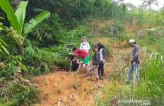 Lereng Gunung Padang Rawan Longsor - JPNN.com