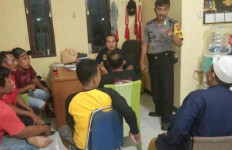 Pemuda Ini Tepergok Warga Saat Berbuat Terlarang di Masjid - JPNN.com
