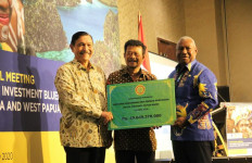 Petani Sorong Bahagia Terima KUR Pertanian - JPNN.com