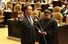 Lanyalla Lantik Anggota PAW DPD RI Asal Maluku Utara - JPNN.com