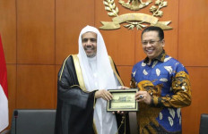 Bamsoet Harap Arab Saudi Kaji Penghentian Sementara Kunjungan Jamaah Umrah Indonesia - JPNN.com