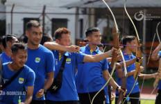 Persib Bandung Belum Menggelar Latihan Bersama, Ternyata Ini Penyebabnya - JPNN.com