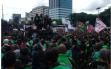 Protes Pernyataan Istri Menteri Suharso, Ratusan Driver Ojol Geruduk DPR