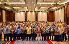 Menteri Siti: Jajaran LHK Pusat dan Daerah Harus Bersenyawa - JPNN.com