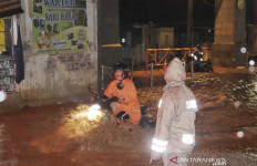 Banjir di Bandung dan Sumedang Belum Surut, BPBD Kirim 2 Perahu - JPNN.com