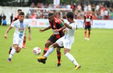 Boaz Solossa Cetak Gol, Persipura Jayapura Bungkam PSIS Semarang 2-0 - JPNN.com