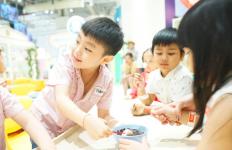 Pandemi Covid-19, Bolehkah Anak Kembali Bersosialisasi dengan Teman-temannya? - JPNN.com