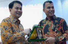 Kunjungi Aceh, Bang Aziz Ajak Mahasiswa Ikut Aktif Berantas Korupsi - JPNN.com