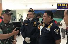 Bea Cukai Cirebon Sigap Dalam Pemeriksaan ABK Diamond Princess di Bandara Kertajati - JPNN.com