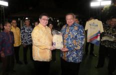 Airlangga Hartarto Bawa Pengurus Golkar Temui Pak SBY, Inilah Hasilnya - JPNN.com
