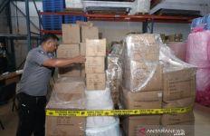 Polisi Temukan Ribuan Kotak Masker Ilegal dari Tiongkok - JPNN.com