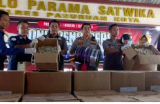 Ibu-Ibu Mohon Dicek Lagi, Ada yang Sengaja Jual Ikan Asin Berformalin di Pasar - JPNN.com
