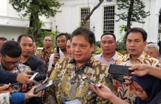 Airlangga Menjelaskan Bansos untuk Pekerja Gaji di Bawah Rp 5 Juta, Simak ya - JPNN.com
