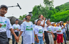 Nyanyian Anak SLB Labuan Bajo Ajak Indonesia Peduli Sampah - JPNN.com