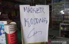 Rumah Penimbun Masker di Bandung Digerebek, Banyak Barang Bukti - JPNN.com