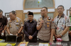 Ustaz Yusuf Mansur Diperiksa Polrestabes Surabaya, Ini Perkaranya - JPNN.com