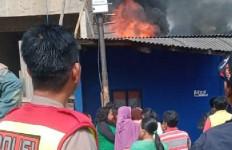 Detik-detik 94 Motor Terbakar di Parkiran Dayeuhkolot Bandung - JPNN.com