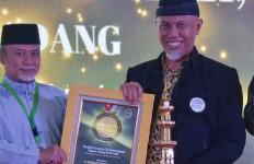 Mahyeldi Ansharullah Hingga Anies Baswedan Dapat Penghargaan Luar Biasa - JPNN.com