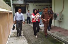 Duh, Bayi Usia 2 Bulan Hidup di Rutan Bersama Ibunya - JPNN.com