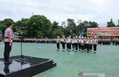 Kapolda Langsung Memimpin Upacara Pemecatan 10 Anggota - JPNN.com